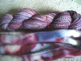 red white and blue roving and yarn 004a
